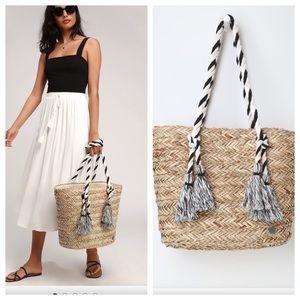Billabong Natural Woven Tassel Tote Bag. NEW